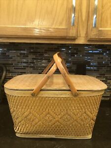 VTG 1950s RED MAN PICNIC BASKET WOVEN HINGED LID MADE USA CLEAN OUTDOOR DINING