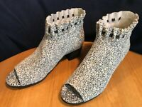 LOGO Lori Goldstein Binnie Open Toe Booties w/ Ruching Women 8.5 M Ditsy Animal