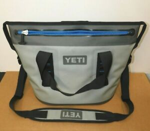 "Yeti Cooler Travel Bag Hopper Two 20 (H:13"" x W: 22"")"