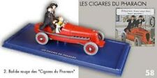 le bolide rouge des cigares du pharaon avec Tintin, Milou et des Dupondt