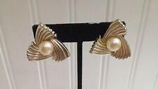 Vintage Marvella Goldtone Metal Faux Pearl Ribbed Pinwheel Clip-On Earrings