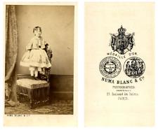 N. Blanc, Une fillette pose CDV vintage albumen carte de visite,  Tirage album