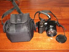 NIKON COOLPIX L100 Digital Camera 10 MP 15 X Optical Zoom Lens & Camera Bag