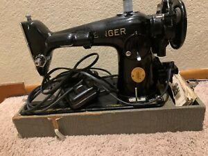 Singer 201-2 Vintage 1941 Heavy Duty Sewing Machine Working