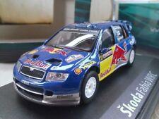 Modellini statici di auto da corsa Rally rossi redbull
