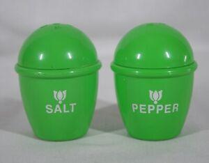 RARE VINTAGE LITTLE TIKES PRETEND PLAY GREEN PAIR OF SALT & PEPPER SHAKERS