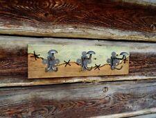 Placa de madera en rack Abrigo Sombrero, hecho a Mano, Artesanal Única, Diseño 1 Foto B