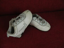 "Basket fille pointure 20 ""Nike"""