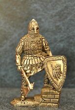 Tin Soldiers * Middle Ages * Heavily armed Russian warrior 14th centur *54-60 mm