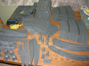"""LARGE LOT of 1960s REVELL """"NASSAU"""" 1/32 High-Bank SLOT CAR TRACK w/ EXTRAS"""