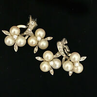 Exquisite, 18ct, 18k 750 Gold cultured Pearl & Diamond cluster earrings 28x21mm