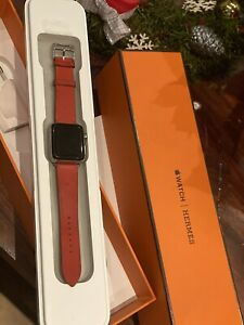 Apple Watch HERMÈS (Hermes) Series 2 38mm withOrange Leather Band -all on photos