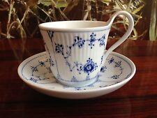 ROYAL COPENHAGEN Musselmalet Gerippt  Kaffeetasse mit Untertasse, 25cl