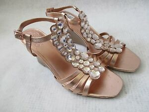 VINCE CAMUTO LEATHER ROSE GOLD JEWELED WEDGE SHOES SIZE 6 1/2 M - NEW