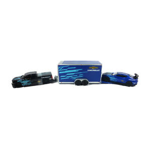 Maisto 11404-01 Chevrolet Silverado Black With Chevrolet Camaro Blue 1:64 New !°