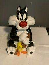 Warner Bros - Sylvester and Tweety Bird Ceramic Cookie Jar - 1997 Excellant Cond