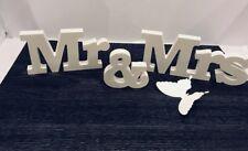 Deko Holzbuchstaben Mr & Mrs Schriftzug selbststehend