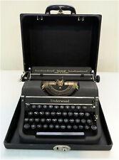 Vintage UNDERWOOD Universal Manual Portable Typewriter, English, w/ Wood case