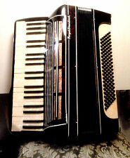 Accordion Royal Standard 120 bass