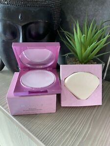 MALLY Evercolor Poreless Face Defender 13g with Sponge and pouch New Boxed