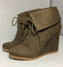 """Mossimo Olive Brown Wedge Platform Ankle Boots Womens Size 9 Lace Up 4.25"""" Heel"""