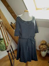 Robe COMPTOIR DES COTONNIERS laine dentelle grise mod. Soirée T. S (mais 40)