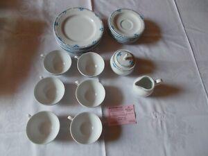 Kleines 20 tlg. Kaffee-/Teeservice mit dezenten Muster, von Seltmann Weiden