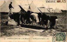 CPA MILITAIRE L'Ecole Saint-Cyr, En Manoeuvres-Le Pliage de la Capote (317360)