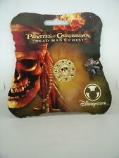 Pin's Pins Pin Badge Disney DISNEYSTORE PIRATES OF CARIBBEAN DEAD MAN'S CHEST !