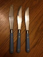 WF Washington Forge Stainless MARDI GRAS WILLIAMSBURG BLUE   3 DINNER KNIVES 8+""