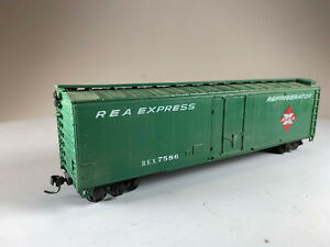HO Scale REA Express Refrigerator Box Car, Road #7586