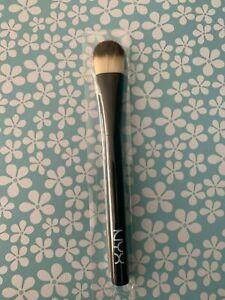 NYX Professional Makeup Pro Flat Foundation Brush  PROB07