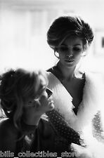 RAQUEL WELCH FARRAH FAWCETT MYRA BRECKINRIDGE   8X10  PHOTO #E5886