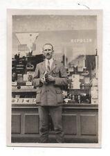 PHOTO - Snapshot Vintage - Commerce Appareil Photo Caméra Ripolin - Vers 1940.