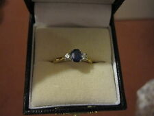 Sapphire and diamond ring in 18 carat yellow gold