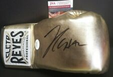 JULIO CESAR CHAVEZ Signed Autographed CLETO REYES Gold Boxing Glove. WITNESS JSA