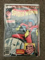 Marvel Comics Group Spider-Woman 30¢-40¢