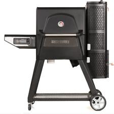 Masterbuilt Gravity Series 560 Digital Charcoal Smoker Grill - Black
