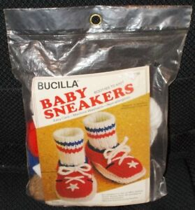 Vintage Bucilla BABY SNEAKERS Red White Blue Booties Kit To Knit 7886 NOS UNOPEN