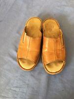 Fly Flot Women Tan Slip-on Leather Sandals Size 7/41 (70C).