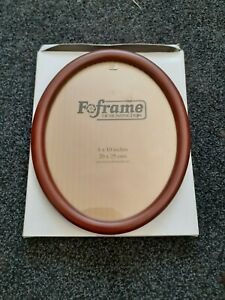"""10"""" x 8"""" Wood Oval Photo Frame by Foframe of Huntingdon. Complete with Box. NEW"""