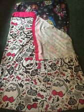 Monster High Sheet Set Fitted And Flat Dolls And Logos All Over EUC Cute HG6