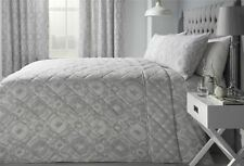 INTRICATE PAISLEY-STYLE SILVER GREY COTTON BLEND 230CM X 195CM QUILTED BEDSPREAD