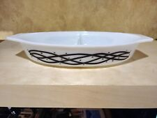 Pyrex barbwire divided dish promo