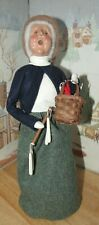 Byers Choice Caroler Candle Vendor Woman with Basket & Drying Rack 1998 *