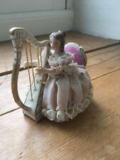 """Irish Dresden Encaje Figura de Porcelana H. Muller & Co Volkstedt """"Christine"""""""