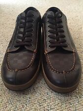 LOUIS VUITTON 9.5 DESIGNER LOW LEATHER SHOES MEN'S SNEAKERS