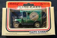 Days Gone Lledo M & S Van with people models Rare Marks & Spenser edition NEW