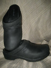 NEW! LL BEAN Comfort PROFESSIONAL Slip-On CLOG Oiled Leather Womens 9 BLACK