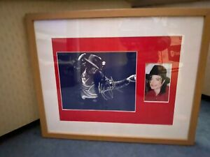 Original Michael Jackson Hand signed/Autographed 10x8 photo fin framed montage